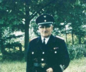 5 Hans Mueller 1938-1942.jpg